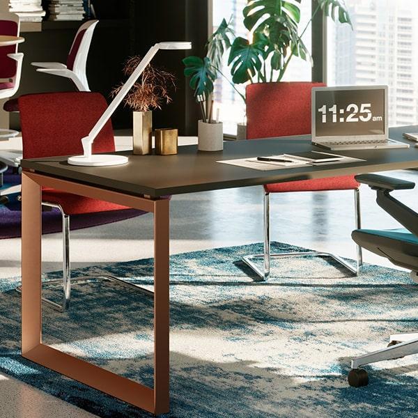 https://www.atrium-sa.com/wp-content/uploads/2020/09/mobilier-bureau-bureaux-et-tables.jpg