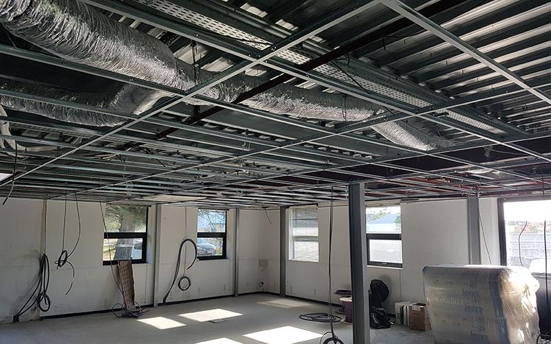 https://www.atrium-sa.com/wp-content/uploads/2020/09/plafond-faux-plafond1.jpg